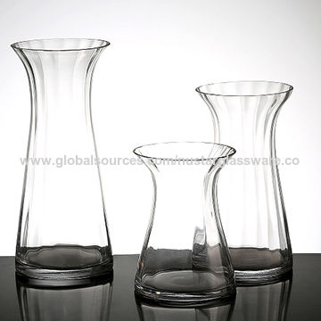 China Elegant Handmade Clear Glass Vase With Flare Open On Global