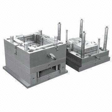 Injection Mold Tooling with S136 and Hardened to HRC52 Core Steel