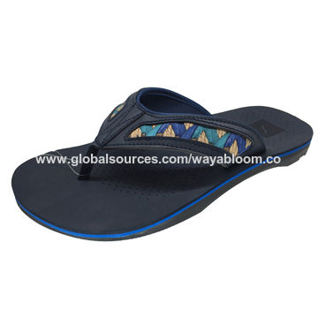 56e016627ae37f China Rubber sole men s outdoor beach casual slippers from Xiamen ...