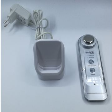 China Facial sonic beauty combining with massage and cleansing function in a singe implement