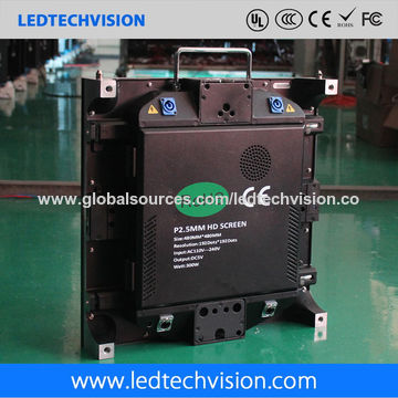 China P2.5mm HD LED Video Wall for Airport Duty Free Shop