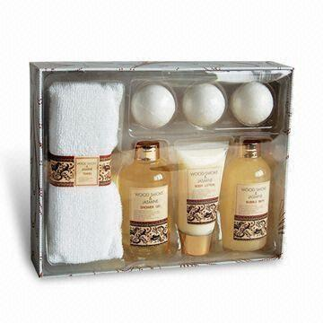 Bath Gift Set in Wood Smoke and Jasmine Series | Global Sources