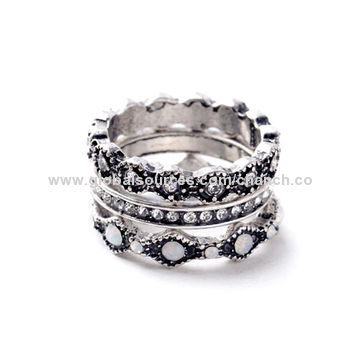 China Vogue Metal Alloy Rings with Clear Crystals,Consist of Three Rings,Customized Designs are Accepted