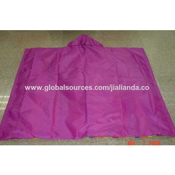 China Water Hooded Picnic Blanket Folds From Xiamen