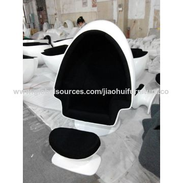 ... China Classic Lounge Chair Fiberglass Egg Chair Oval Egg Pod Chair  Stereo Lounge Chair With Speakers