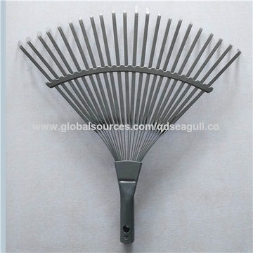China 22 Teeth Metal Leaf Rake with Spray Treatment