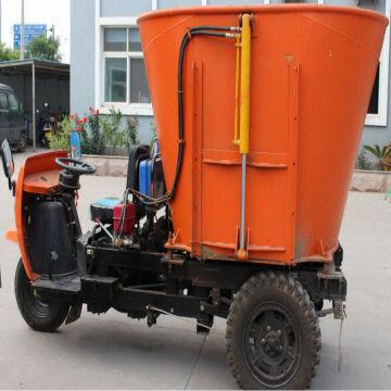 TMR feed mixer Collect Fertilization ISO9001:2008 Diesel and