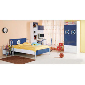 Wooden Bedroom Furniture, Measuring 136 x 196 x 90cm