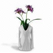 Porcelain Vase, Suitable for Home Decorations, Available in Other Fashion Show Design
