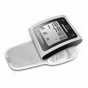 China Blood Pressure Monitor with Extra Large LCD, Measures 80 x 65 x 22mm