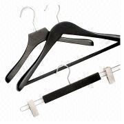Plastic clothes hangers from China (mainland)
