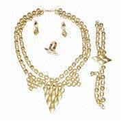 China Gold-plated Jewelry Big Set, Includes Ring, Necklace, Bangle and Earrings