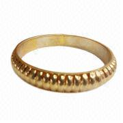 Metal Bracelet, Made of Alloy with Gold Plating Color, Available in Customized Designs
