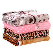 Customized design printed flannel blanket from China (mainland)