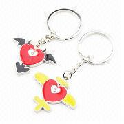 China 2D Single-sided Metal Keychains in Heart-shaped with Wings, Zinc Alloy Material with Split Ring