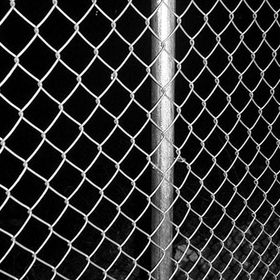 China Wire Mesh and Netting, Made of Edge, HDG, PVC-coated and Painted Materials, Suitable for Fencing