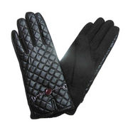Elegant Woolen Gloves from China (mainland)