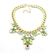 Woven three flowers acrylic pendant necklace gold from China (mainland)