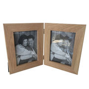 China OAK Wooden Photo Collage Frame, Available in Various Sizes
