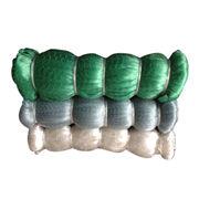 Nylon mono-filament fishing net with length way stretching