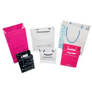 Art Paper Bags with Glossy/Matte Lamination Surfaces from Everfaith International (Shanghai) Co. Ltd