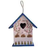 Wooden bird house which from China (mainland)