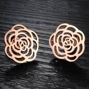 Fashion Hollow Flower Stud Earrings from China (mainland)
