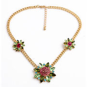 Fashion Jewelry Chain with Flowers Decoration, Composed of Crystals and Rhinestones and Chain