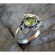 Wholesale Silver ring motif peridot stone carving patra bali, Silver ring motif peridot stone carving patra bali Wholesalers