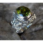 Wholesale Silver ring motif peridot stone carving Rangda, Silver ring motif peridot stone carving Rangda Wholesalers