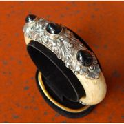Wholesale Root bahar motif bracelet carved black onyx stone, Root bahar motif bracelet carved black onyx stone Wholesalers