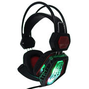 China Customized new design mold colorful MP3 wired headphones