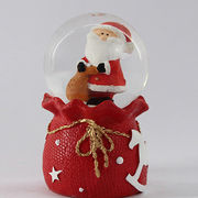 Christmas snow globes made from China (mainland)