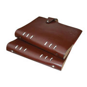 Cowhide loose-leaf notebooks from China (mainland)