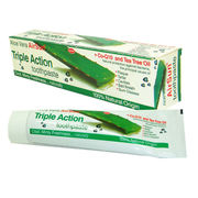 China Aloe Vera Triple Action Crystal Green Gel Toothpaste with 100ml Volume and Cool Mint Flavor