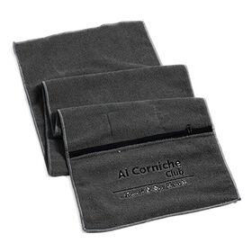 China Customized zipper pocket gym towel