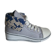 Canvas shoes from China (mainland)
