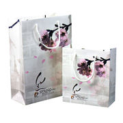 Paper gift bags from China (mainland)