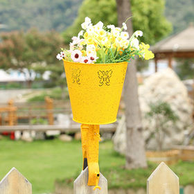 China 2017 New Yellow Metal Flower Pot with a clamp Fence and Balcony decoration
