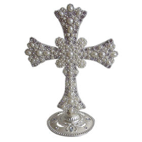 Wedding Accents Silver Plating White Pearls Jeweled Metal Stand Cross