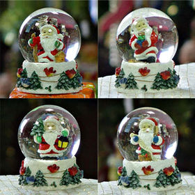 New 65mm Snowglobe With Christmas Scene - Santa Design for Xmas decoration,Made of resin