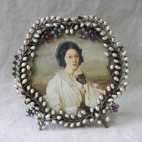 China Vintage Brass Pearls & Rose Rhinestones Jeweled 4x4 Inches Alloy Photo Frame