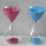 Single sand timer with different glass containers