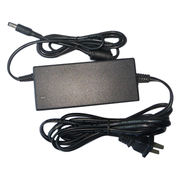 China AC/DC Switching Power Adapter