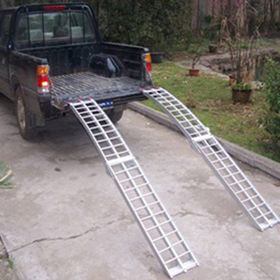 China Aluminum Loading Ramp Working
