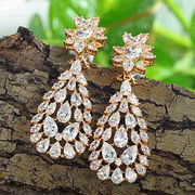 China Gold plated berg crystal rhinestone zircon brass earrings for girl