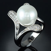 China Heye high quality natural opal white pearl rings, best gift for a girlfriend