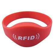 China RFID NFC silicone wristband