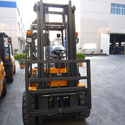 2-ton Forklift with Huahe Factory China Good Performance from Evangel Industrial (Shanghai) Co., Ltd.