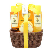 China Bath Gift Set/Basket with Show Gel, Body Lotion, Bubble Bath, Bath Bombs in Paper Rope Basket